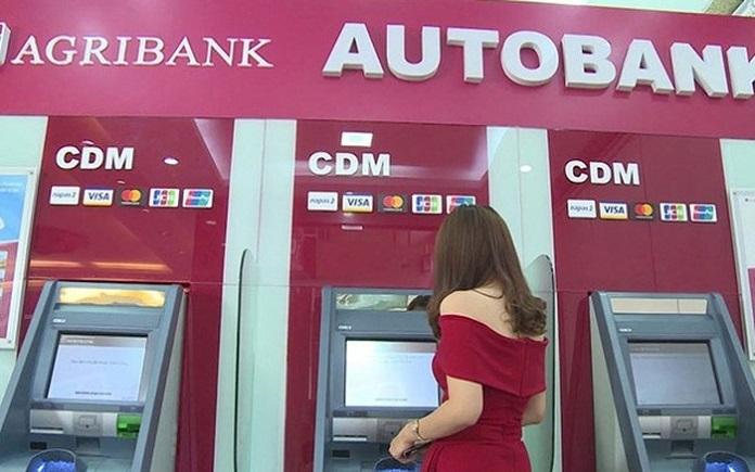 Sử dụng thẻ ATM tại ngân hàng Agribank giúp khách hàng luôn có được trải nghiệm dùng thẻ ATM tốt nhất, hiệu quả và được hỗ trợ nhanh chóng nhất.