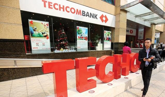 Mang CMND ra chi nhánh techcombank