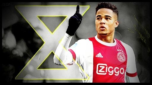 Justin khi còn trong màu áo Ajax Amsterdam