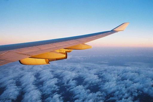 Mơ đang lái máy bay cho biết công việc thời gian tới sẽ thuận lợi